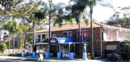 Palm Court Motel - Redcliffe Tourism