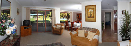 Amore Beach Retreat - Redcliffe Tourism
