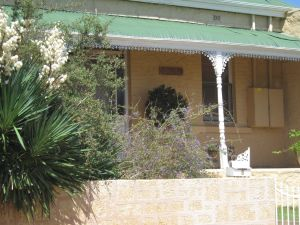 Amalie Cottage - Redcliffe Tourism