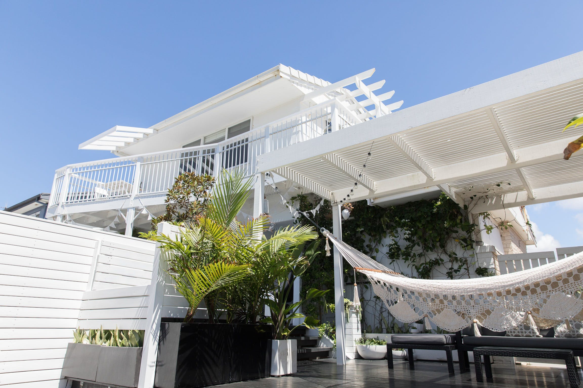 White Beach Cottage - The Perfect Beach Getaway - Redcliffe Tourism