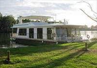 Cloud 9 Houseboats - Redcliffe Tourism
