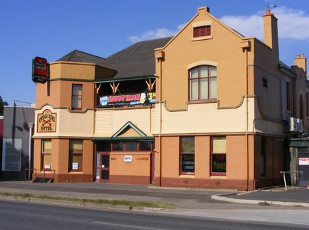 Cross Keys Hotel - Redcliffe Tourism
