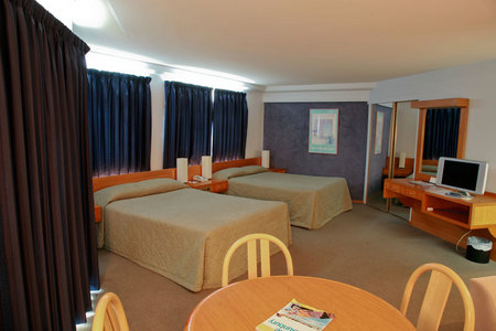 Quality Hotel Lord Forrest - Redcliffe Tourism