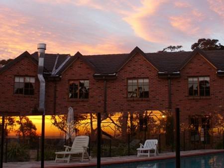 The Hideaway Retreat - Redcliffe Tourism