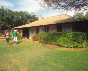 Russ Cottage - Redcliffe Tourism