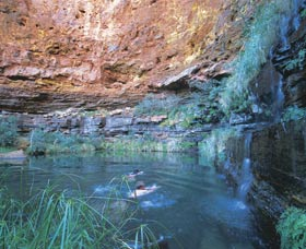 Dales Gorge and Circular Pool - Redcliffe Tourism