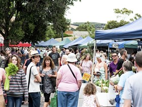 Willunga Farmers' Market - Redcliffe Tourism