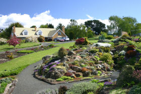 Kaydale Lodge Gardens - Redcliffe Tourism