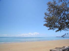 Blacks Beach - Redcliffe Tourism