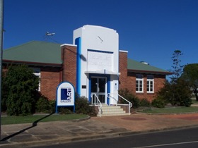 Crows Nest Regional Art Gallery - Redcliffe Tourism