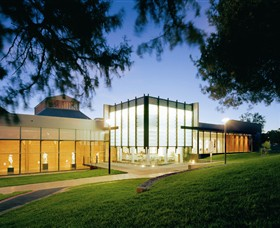 Bendigo Art Gallery - Redcliffe Tourism