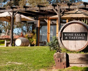 Saint Regis Winery Food  Wine Bar - Redcliffe Tourism