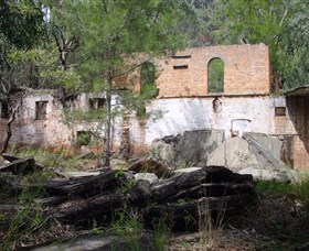 Newnes Shale Oil Ruins - Redcliffe Tourism