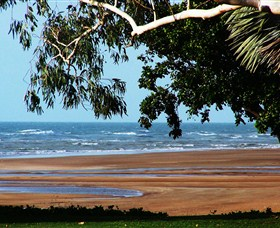 Beachfront Hotel - Redcliffe Tourism