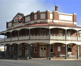 Royal Hotel Weethalle - Redcliffe Tourism