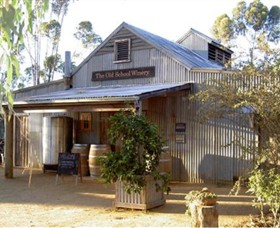 The Old School Winery and Pottery - Redcliffe Tourism