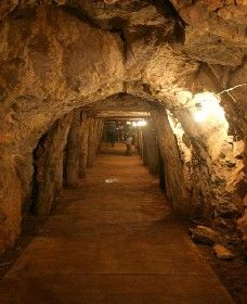 Wellington Caves and Phosphate Mine - Redcliffe Tourism