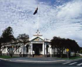 Museum of The Riverina - Historic Council Chambers Site - Redcliffe Tourism