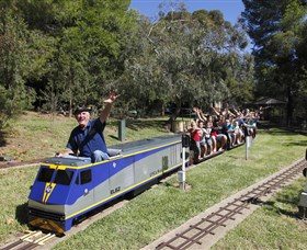 Willans Hill Miniature Railway - Redcliffe Tourism