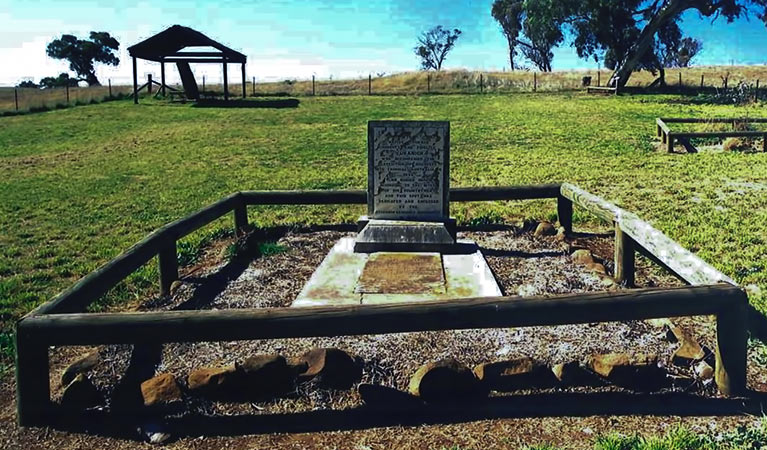 Yuranighs Aboriginal Grave Historic Site - Redcliffe Tourism