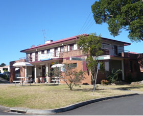 Hotel Oaks - Redcliffe Tourism