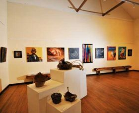 Blue Knob Hall Gallery and Cafe - Redcliffe Tourism