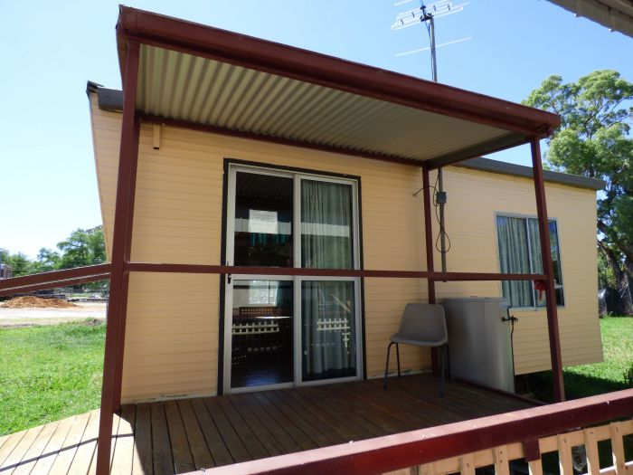 Manusu House and Cabin - Redcliffe Tourism