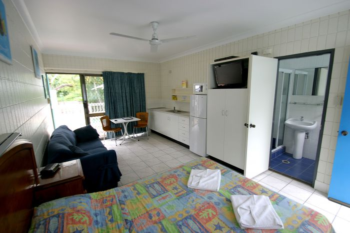 Tropical Palms Inn - Redcliffe Tourism