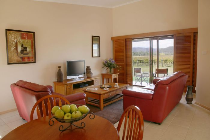 Nightingale Wines Luxury Villas - Redcliffe Tourism