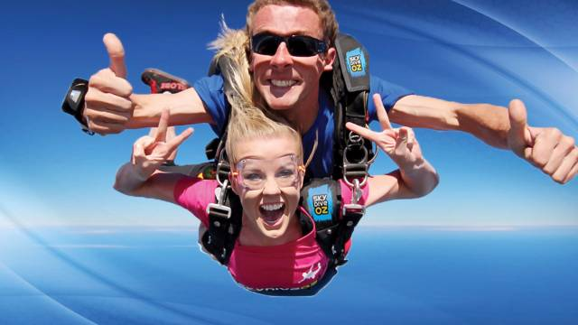 Skydive Oz Canberra - Redcliffe Tourism