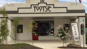 Tootsie Fine Art and Design - Redcliffe Tourism