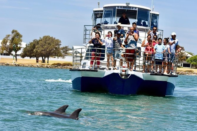 Mandurah Dolphin and Scenic Canal Cruise