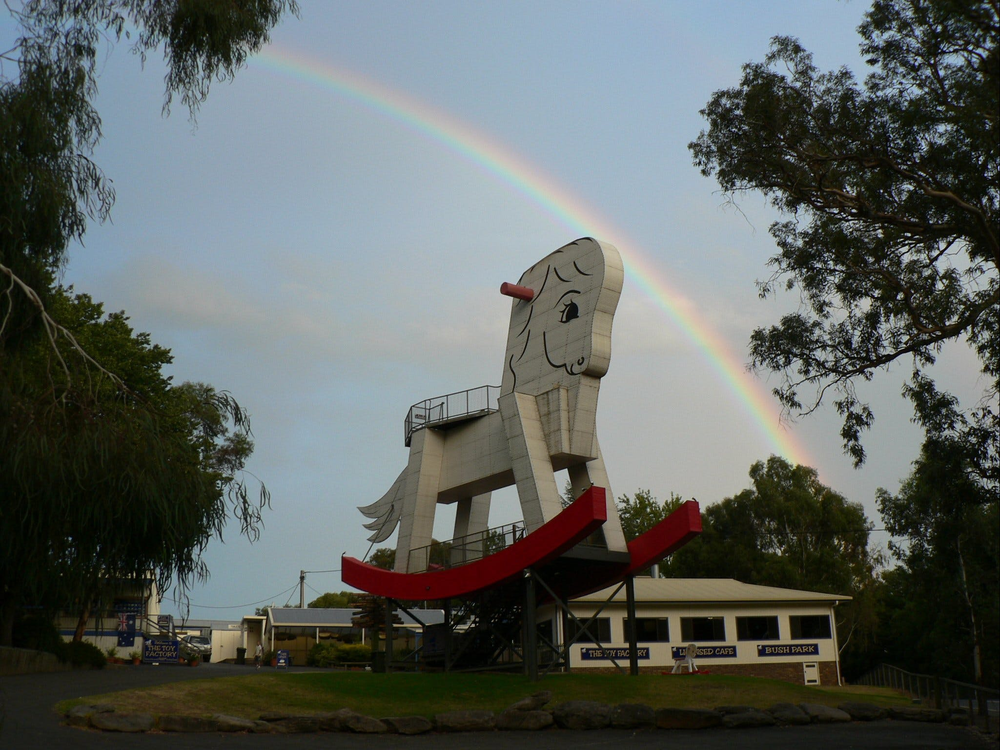 The Big Rocking Horse And The Toy Factory - Redcliffe Tourism