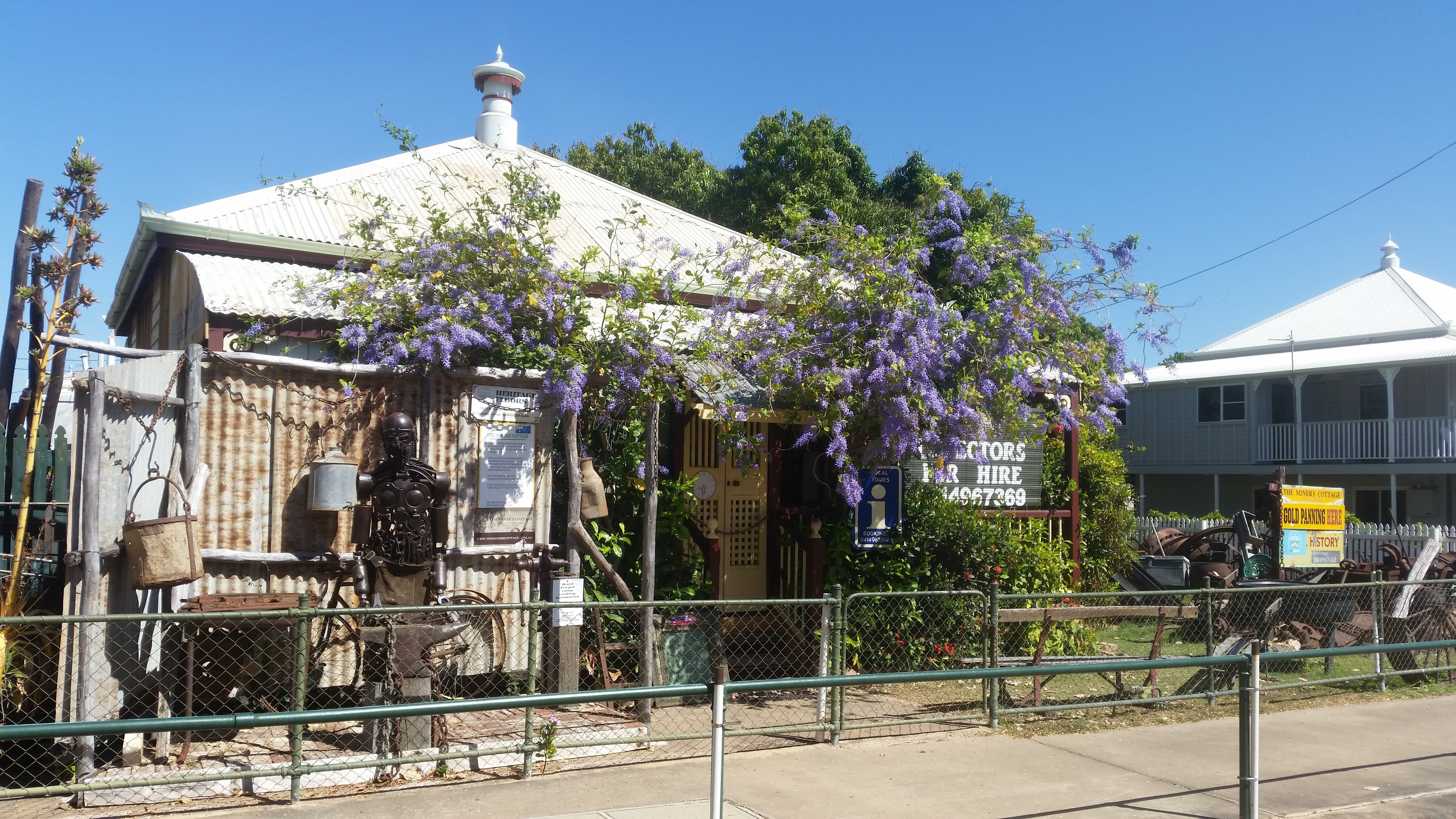 The Miner's Cottage - Redcliffe Tourism