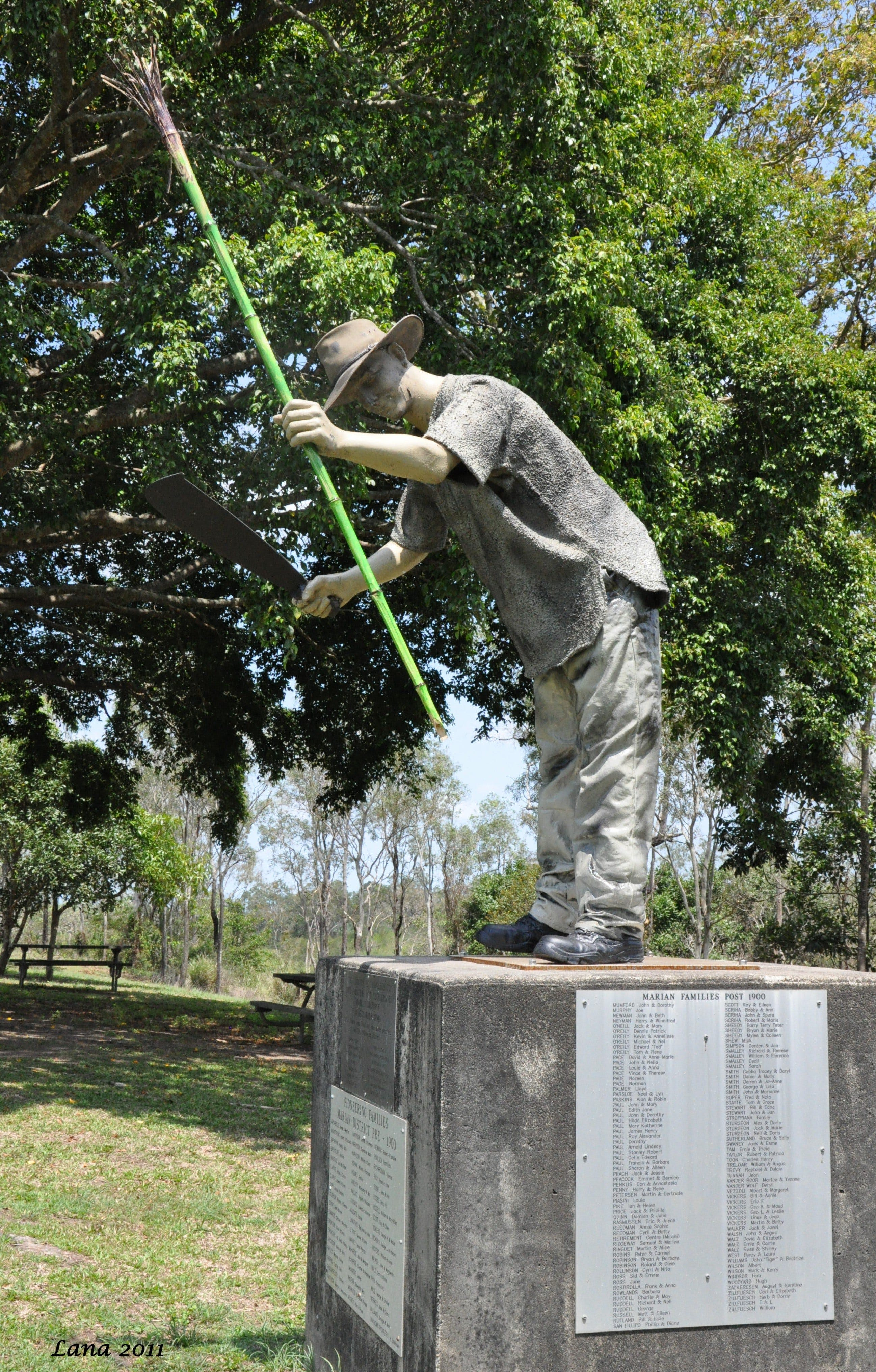 Cane Cutter Memorial - Redcliffe Tourism