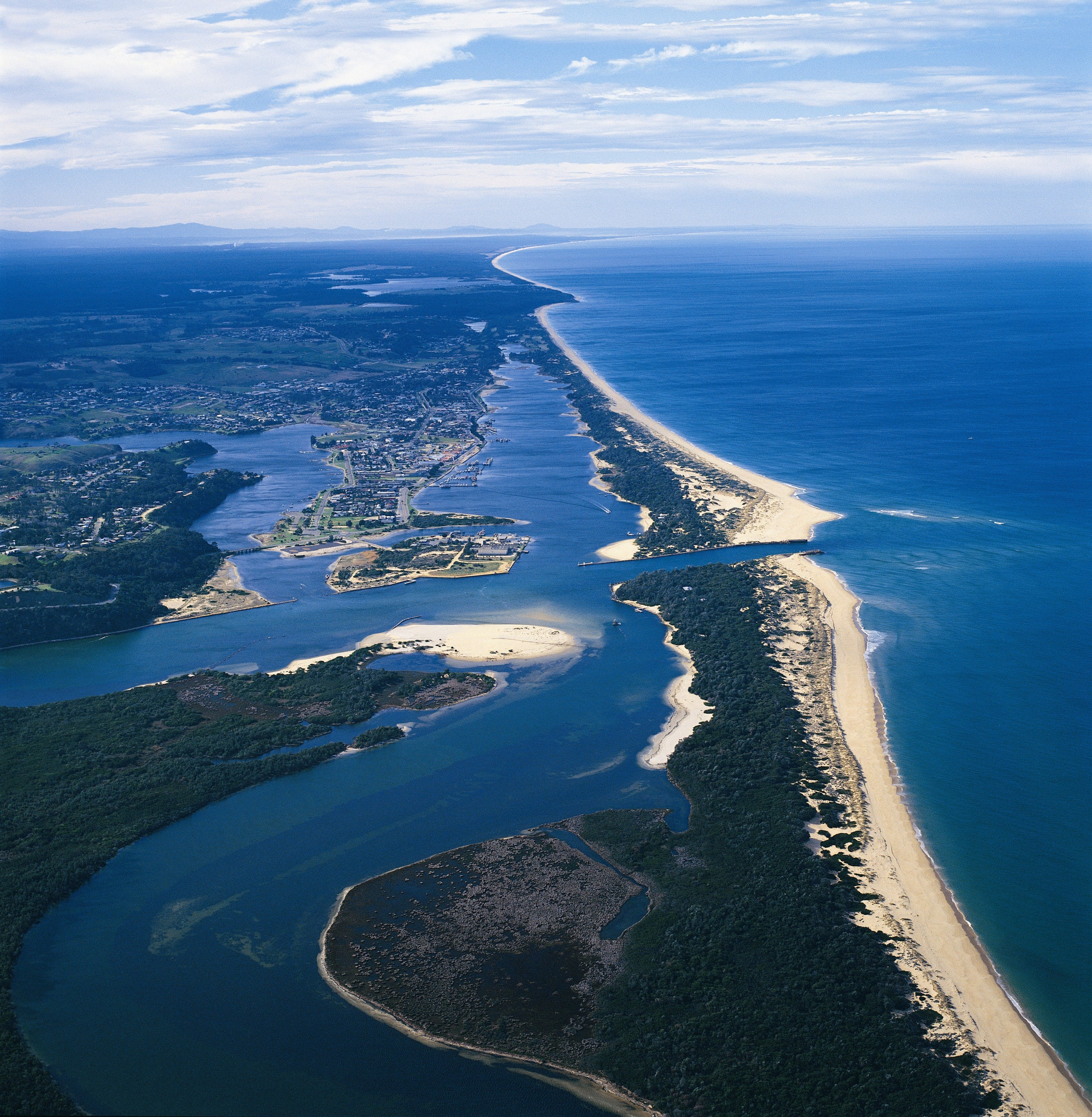 Ninety Mile Beach Marine National Park - Redcliffe Tourism