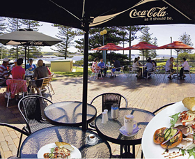 The Beach and Bush Gallery and Cafe - Redcliffe Tourism