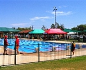 Charleville Swimming Pool - Redcliffe Tourism