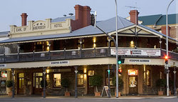 Coopers Alehouse at the Earl - Redcliffe Tourism