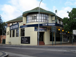 Railway Hotel - Redcliffe Tourism