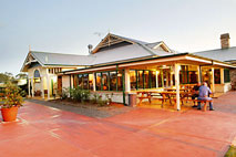 Potters Hotel and Brewery - Redcliffe Tourism