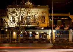 Crown and Sceptre Hotel - Redcliffe Tourism