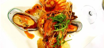 Lively Catch Seafood Restaurant - Redcliffe Tourism