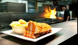 Railway Hotel Steak House - Redcliffe Tourism