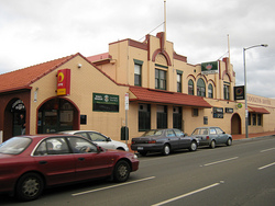 Cooley's Hotel - Redcliffe Tourism
