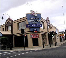 Grand Junction Hotel - Redcliffe Tourism