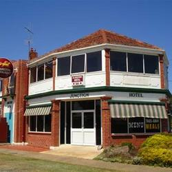 Allansford Hotel - Redcliffe Tourism