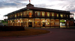 The Grand Terminus Hotel - Redcliffe Tourism
