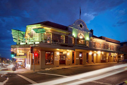 Town Hall Hotel - Redcliffe Tourism