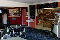 Greenwell Point Hotel - Redcliffe Tourism
